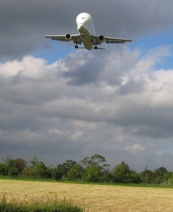 Farmland_and_Airbus_Beluga_near_Cop_House_Farm_-_geograph_org_uk_-_446678